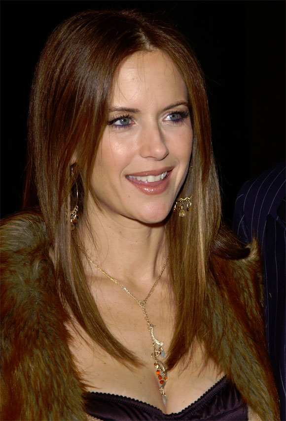 attractive older women - Kelly Preston