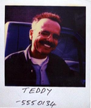 Joe Pantoliano as Teddy snapshot from Memento
