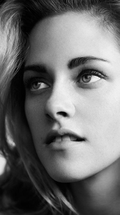 Kristen Stewart from Vogue 2011 on my Droid X wallpaper