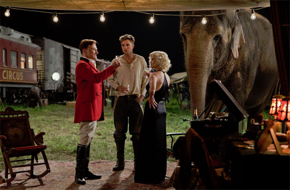 Christoph Waltz Robert Pattinson Reese Witherspoon cheers in Water For Elephants