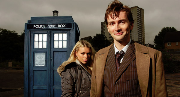 Doctor Who David Tennant and Rose with TARDIS