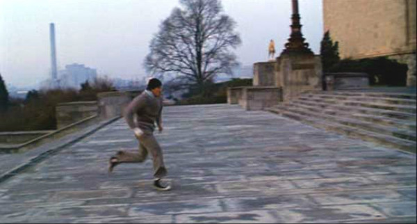 Rocky running up steps in Converse from the first movie