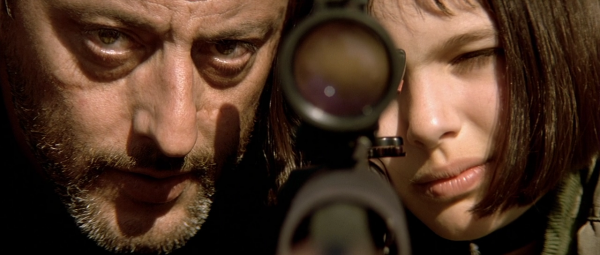 Leon The Professional Leon and Mathilda on rooftop with sniper rifle