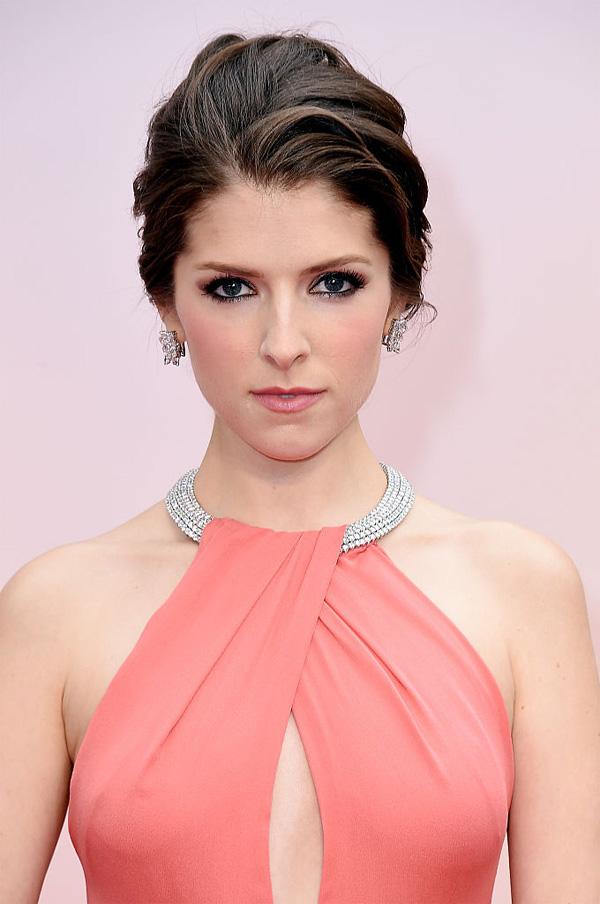Anna Kendrick pink dress 2015 Academy Award Oscar red carpet