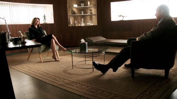 Dr Melfi and Tony Soprano having a chat