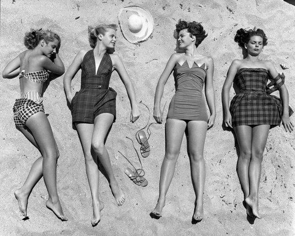 retro women swimsuit beach wear